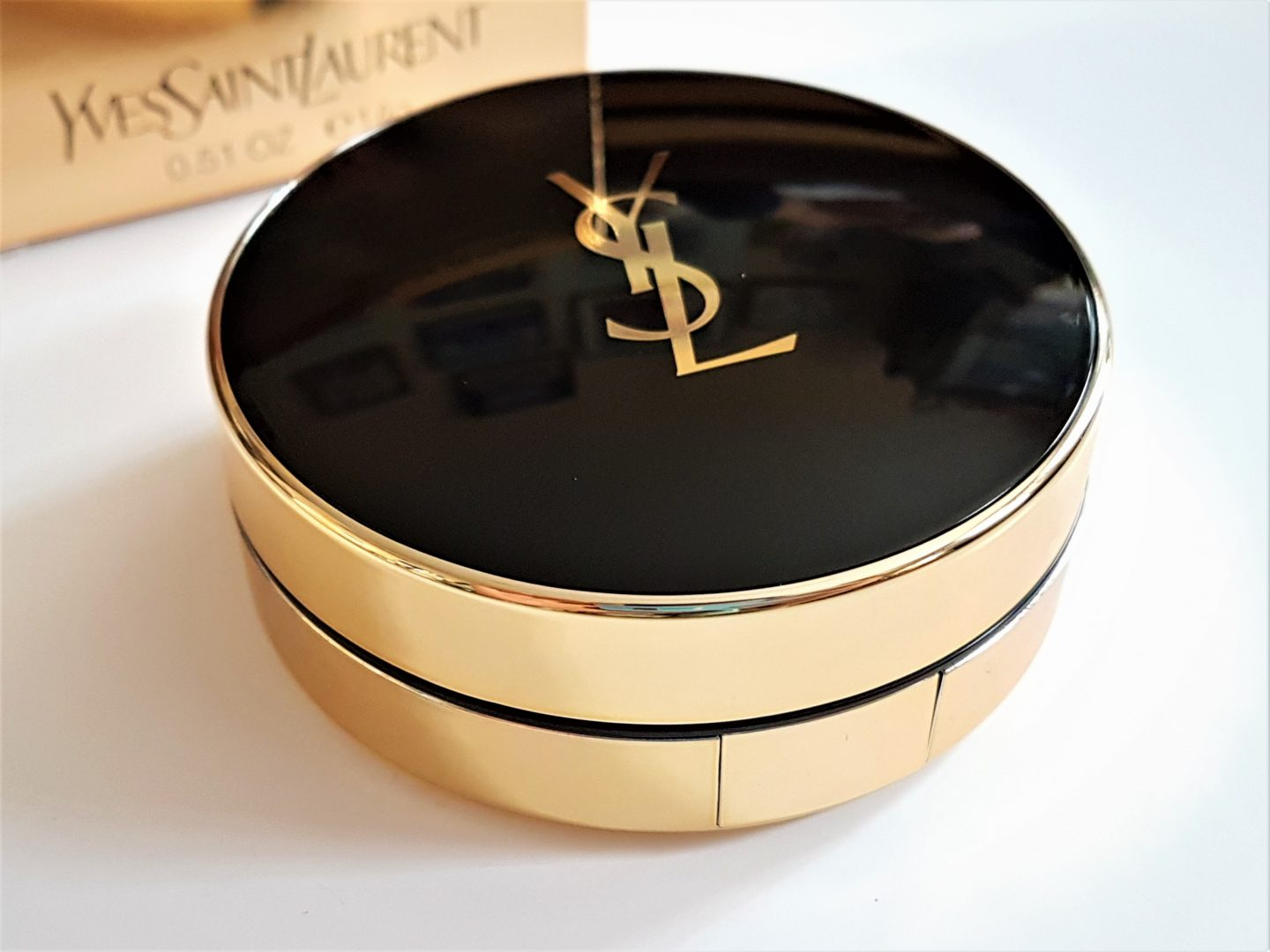 REVIEW: YSL Fusion Ink Cushion Foundation (B30)