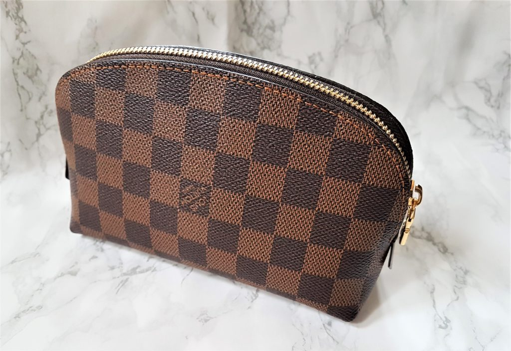 d55a14c7554b Back – LV print is upside down. Straight off the bat I can say I absolutely  love this cosmetic pouch.