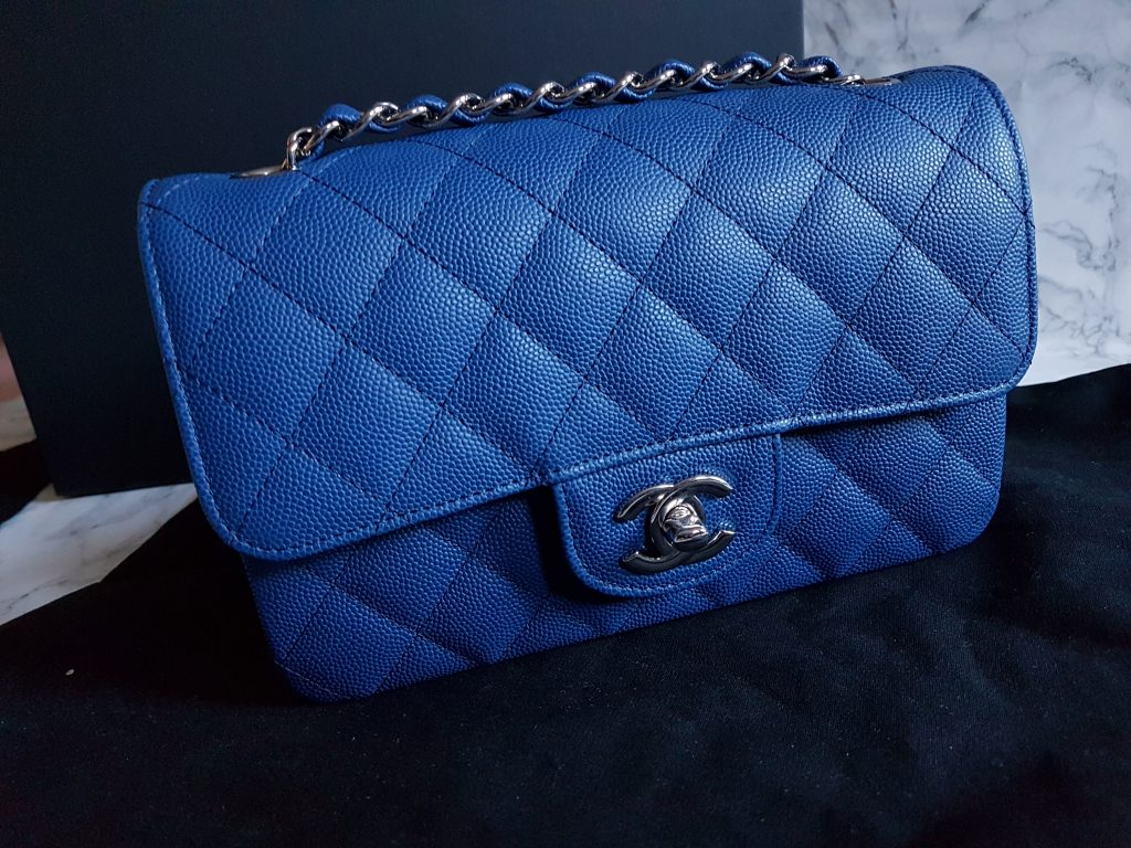 d067e13d9992f9 CHANEL Rectangle Mini Flap Bag Review + What Fits Inside - Wantastic ...